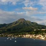 La ville de Saint-Pierre au pied de la Montagne Pelée