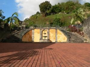 Escalier du théatre de Saint- Pierre